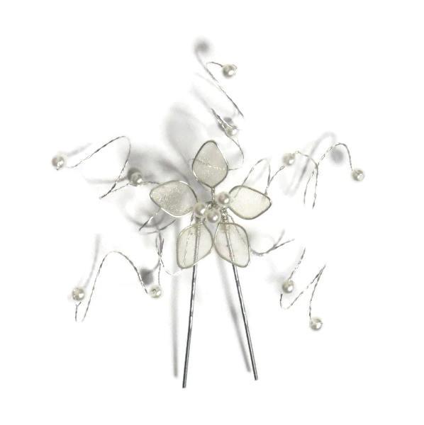 Vlásenka s malou kytičkou a bílými korálky - stříbrná
